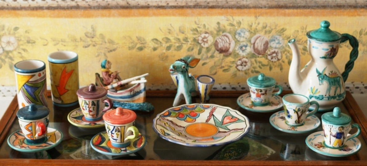Exclusive typical pottery from Vietri sul Mare